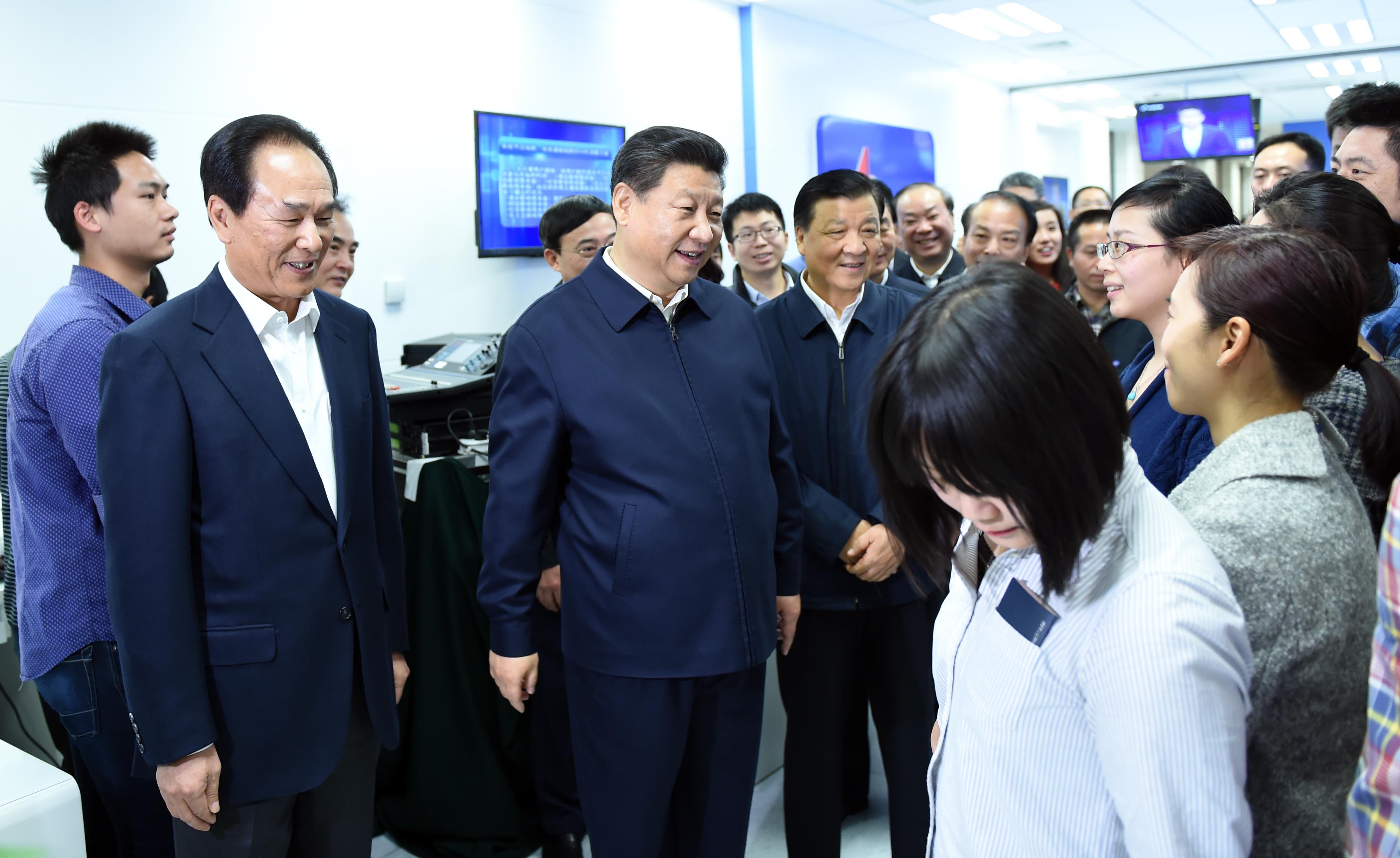 习近平和刘云山在新华社调研